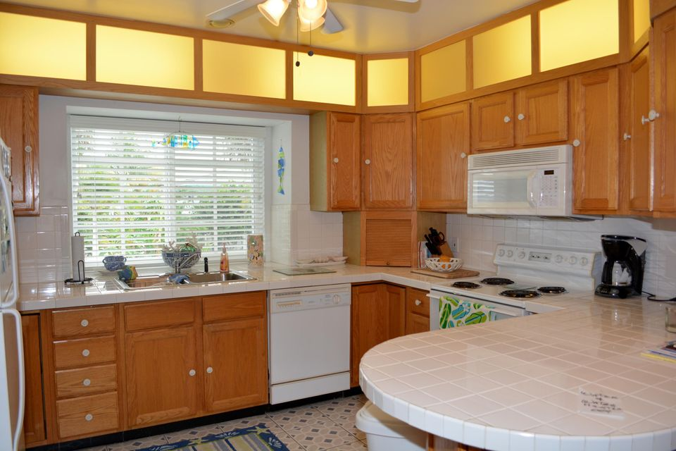 Additional photo for property listing at 27375 Barbuda Lane  Summerland Key, Florida 33042 United States