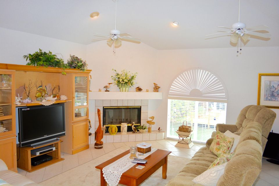 Additional photo for property listing at 27375 Barbuda Lane  Summerland Key, Florida 33042 Hoa Kỳ