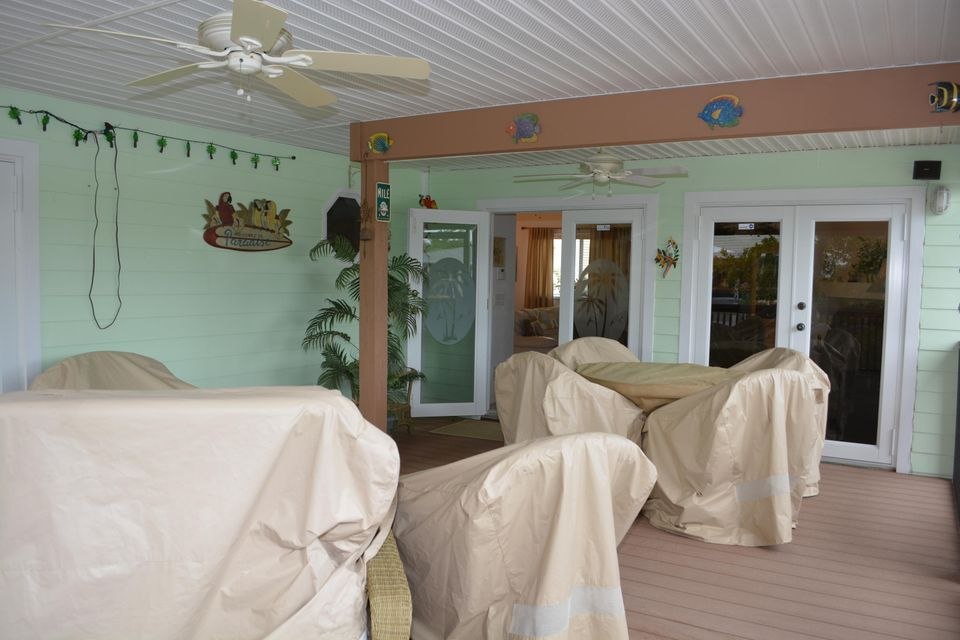 Additional photo for property listing at 27375 Barbuda Lane  Summerland Key, Florida 33042 Estados Unidos