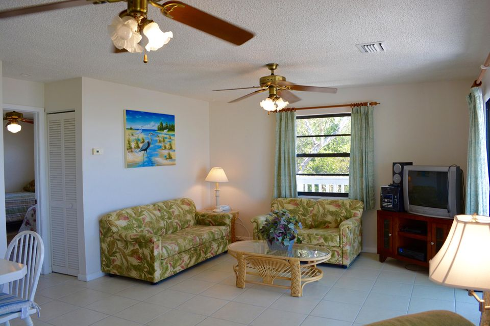 Additional photo for property listing at 680 State Road 4 A  Summerland Key, 플로리다 33042 미국
