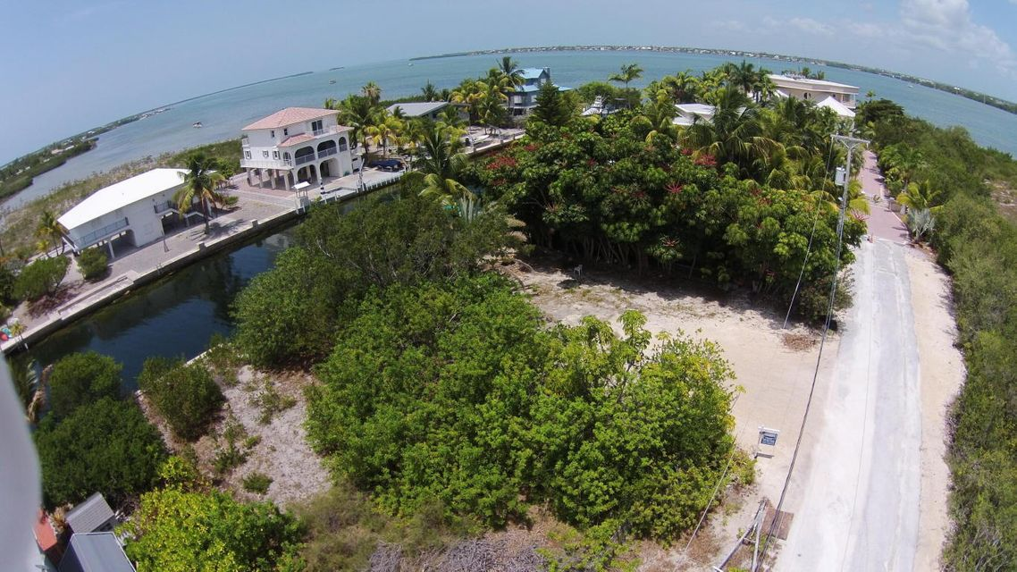 Additional photo for property listing at 29590 W. Cahill Court  Big Pine Key, Florida 33043 Estados Unidos