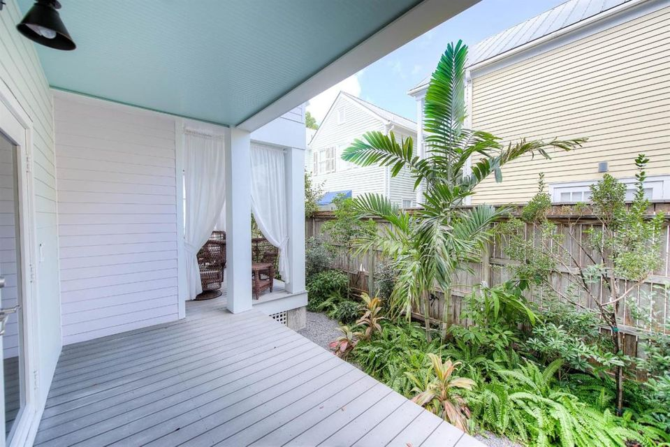 Additional photo for property listing at 1019 Simonton Street  Key West, Florida 33040 Usa