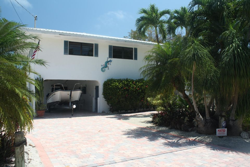681 Pirates Road, Little Torch Key, FL 33042