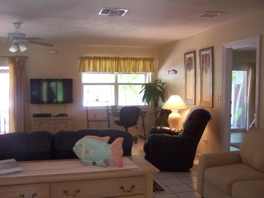 Additional photo for property listing at 930 W 75Th Street  Marathon, Florida 33050 Vereinigte Staaten