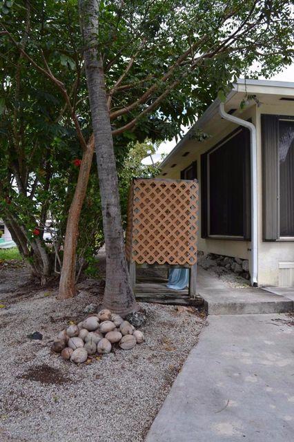 Additional photo for property listing at 21052 6th Avenue 21052 6th Avenue Cudjoe Key, Florida 33042 États-Unis