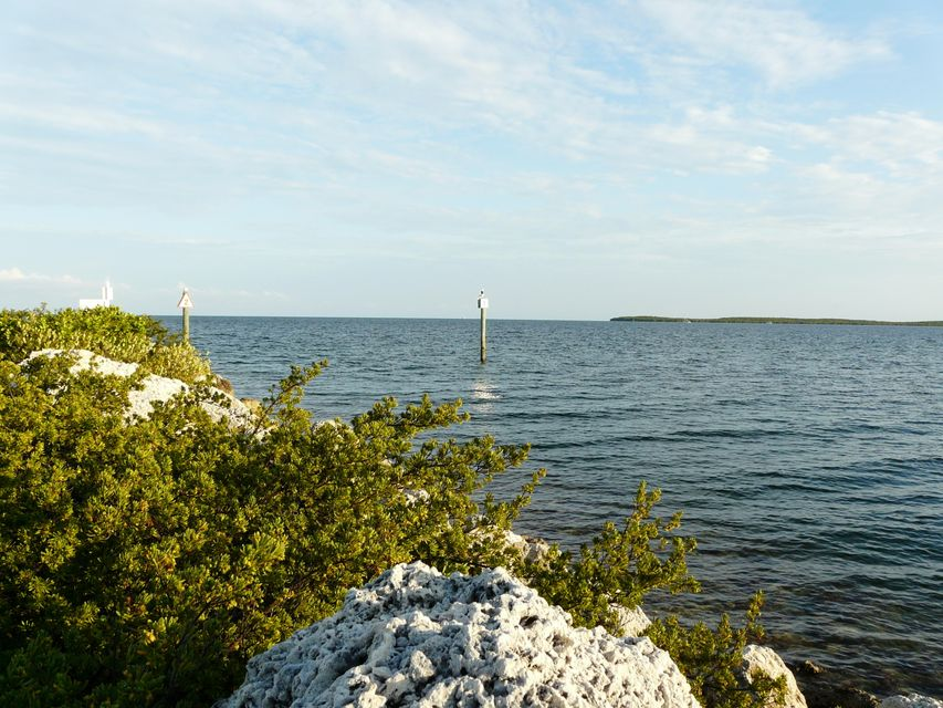 Additional photo for property listing at 1550 Ocean Bay Drive  Key Largo, Florida 33037 États-Unis