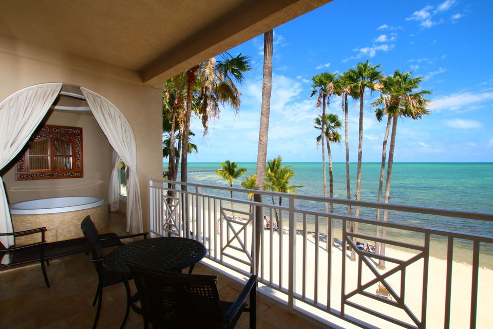 Additional photo for property listing at 81801 Overseas Highway  Islamorada, Florida 33036 États-Unis