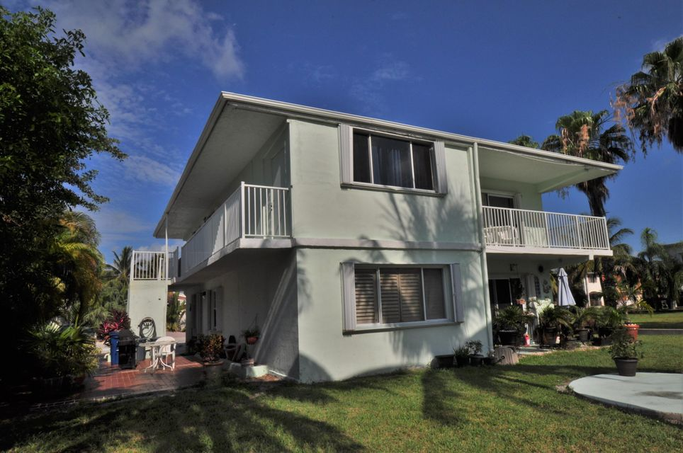 Additional photo for property listing at 200 8Th Street  Key Colony, Florida 33051 Estados Unidos