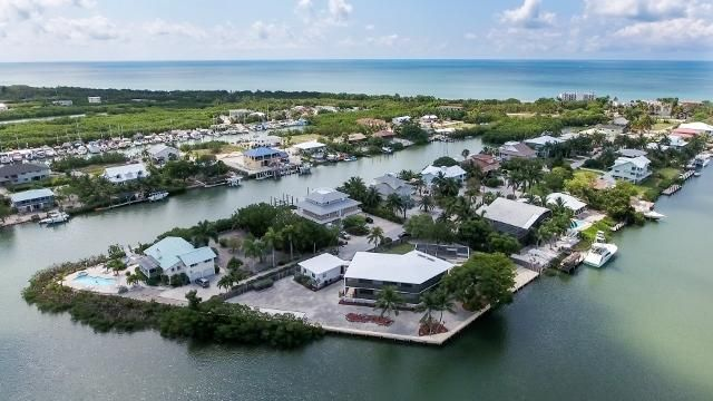 Additional photo for property listing at 260 Avenue G  Marathon, Florida 33050 Hoa Kỳ