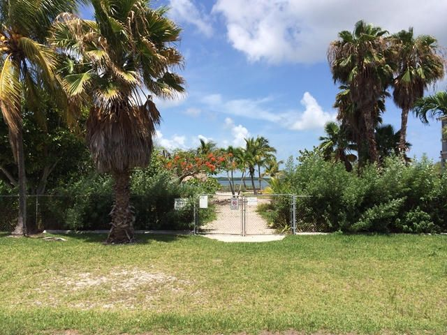 Additional photo for property listing at 3856 No Name Road  Big Pine Key, Florida 33043 Stati Uniti