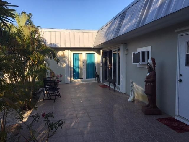 Additional photo for property listing at 54 Key Haven Road  Key West, Florida 33040 Usa