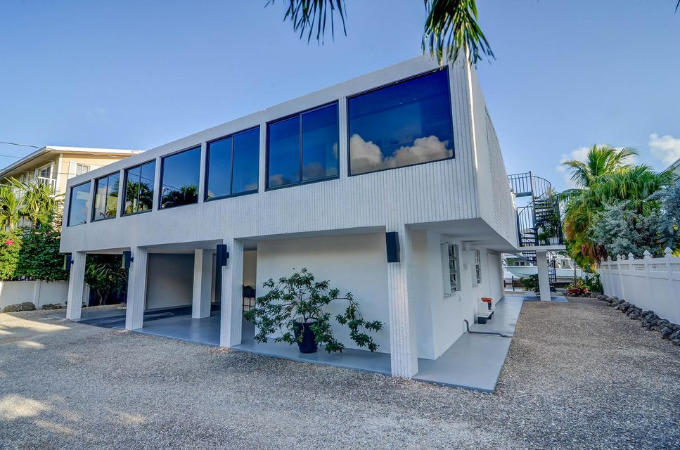 Single Family Home for Sale at 103 Bayview Isle Drive Islamorada, Florida 33036 United States