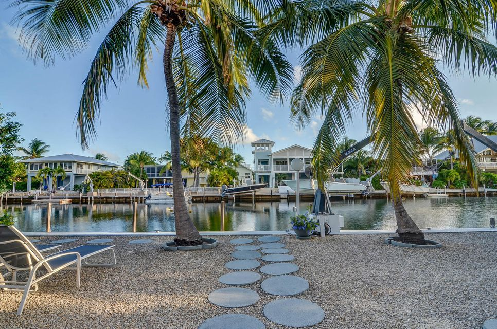 Additional photo for property listing at 103 Bayview Isle Drive 103 Bayview Isle Drive Islamorada, Florida 33036 United States