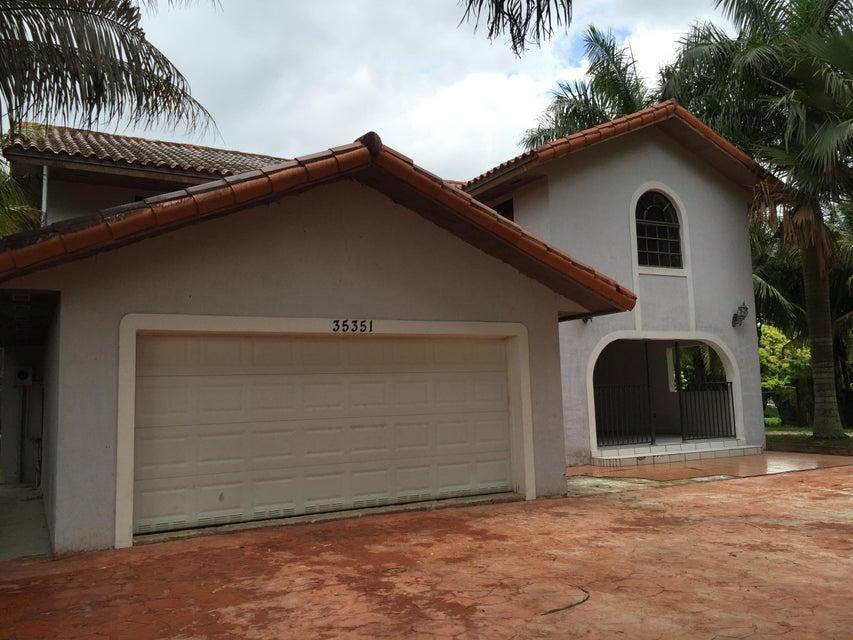 Maison multifamiliale pour l Vente à 35351 SW 213TH Avenue Homestead, Florida 33034 États-Unis