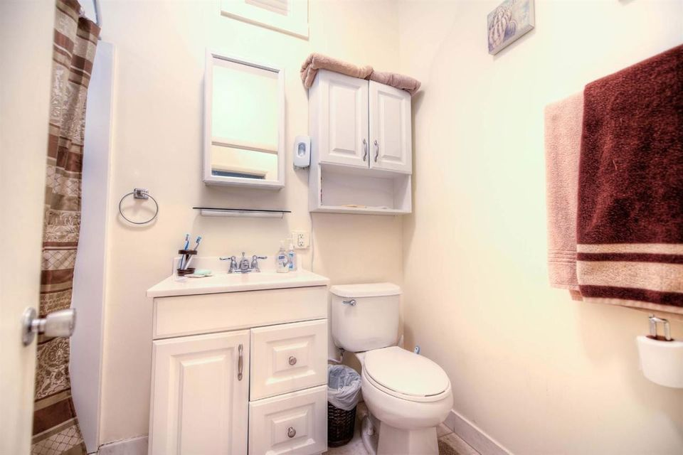 Additional photo for property listing at 605 Simonton Street  Key West, Florida 33040 Stati Uniti