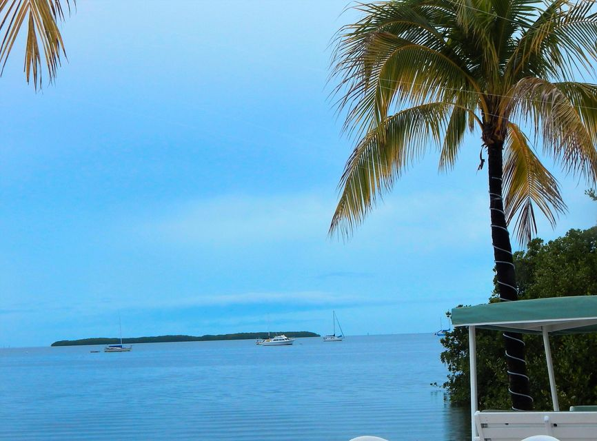 Additional photo for property listing at 96 Madeira Road 96 Madeira Road Islamorada, Florida 33036 États-Unis