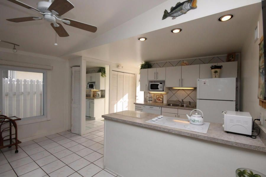 Additional photo for property listing at 81 Coral Lane  Key Colony, Florida 33051 United States