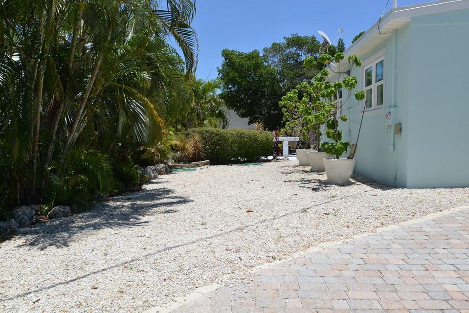 Additional photo for property listing at 900 W 63RD STREET OCEAN  Marathon, Florida 33050 Usa
