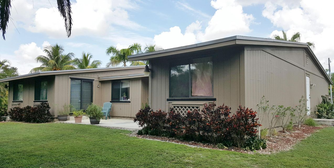 Additional photo for property listing at 26021 SW 199th Avenue  Other Areas, Florida 00000 Stati Uniti