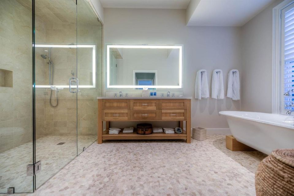 Additional photo for property listing at 821 Waddell Avenue 821 Waddell Avenue Key West, Florida 33040 États-Unis
