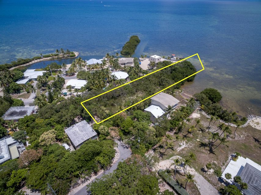 Additional photo for property listing at 18 CORAL Road 18 CORAL Road Islamorada, Florida 33036 United States
