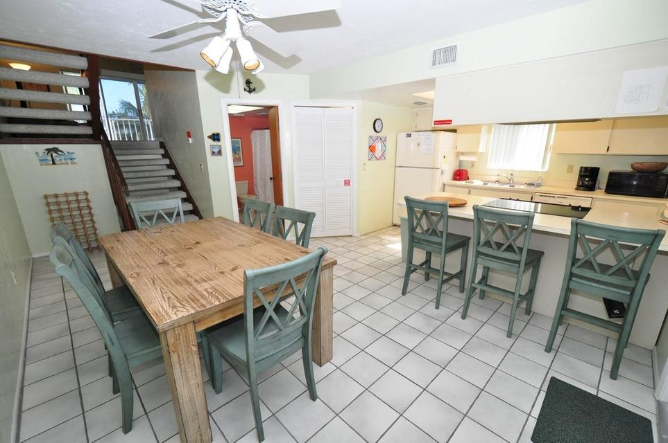 Additional photo for property listing at 330 E Ocean Drive  Key Colony, Florida 33051 Estados Unidos