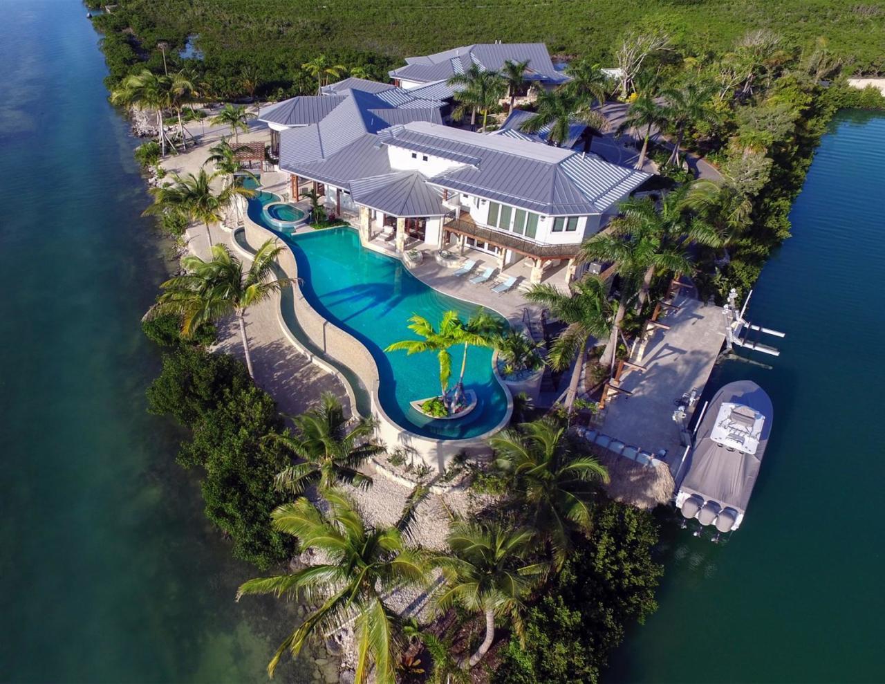 Vivienda unifamiliar por un Venta en 1300 Sunset Boulevard Summerland Key, Florida 33042 Estados Unidos