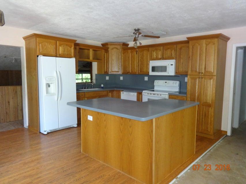Additional photo for property listing at 854 Ellen Drive  Key Largo, Florida 33037 États-Unis