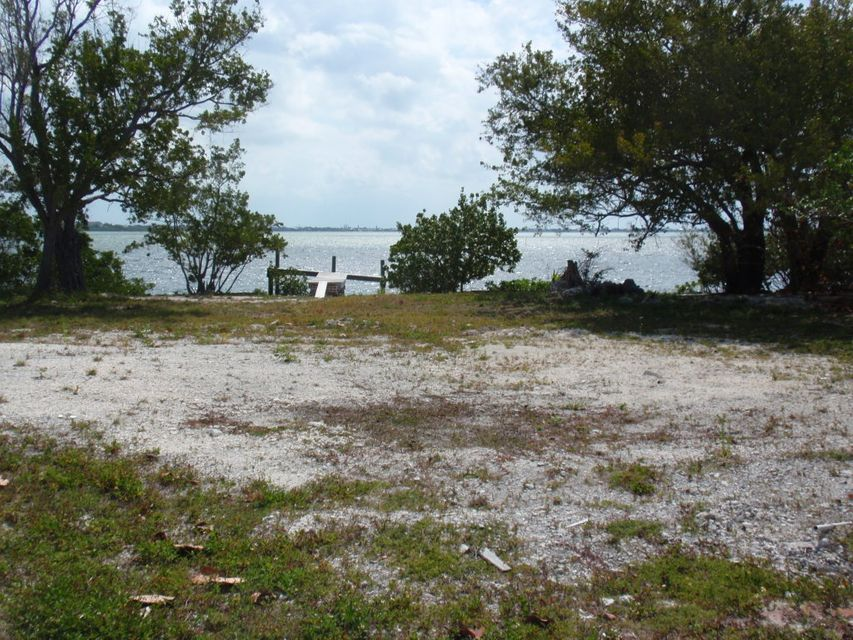 Additional photo for property listing at 377 Sawyer Drive  Summerland Key, Florida 33042 Stati Uniti