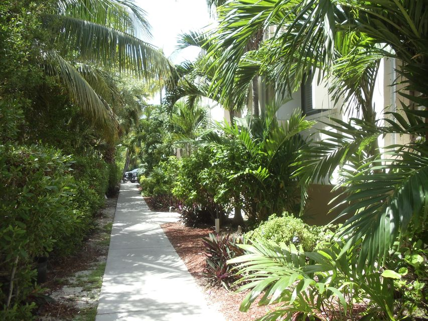 Additional photo for property listing at 133 Coco Plum Drive  Marathon, Florida 33050 Estados Unidos