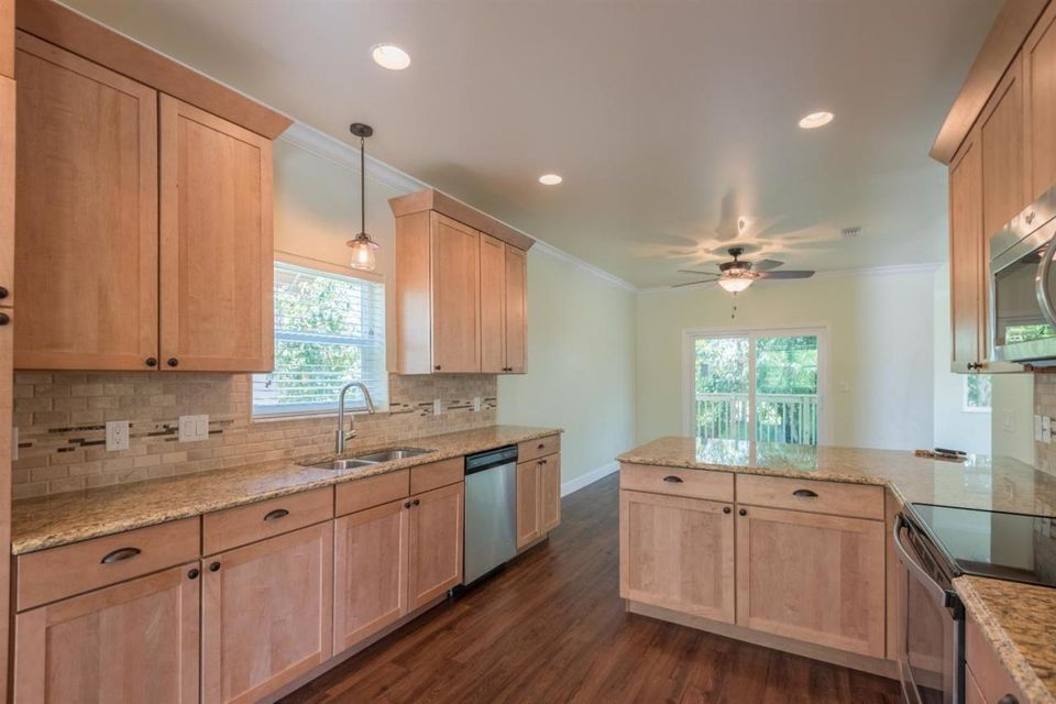 Additional photo for property listing at 11 Birchwood Drive  Key Haven, Florida 33040 Estados Unidos