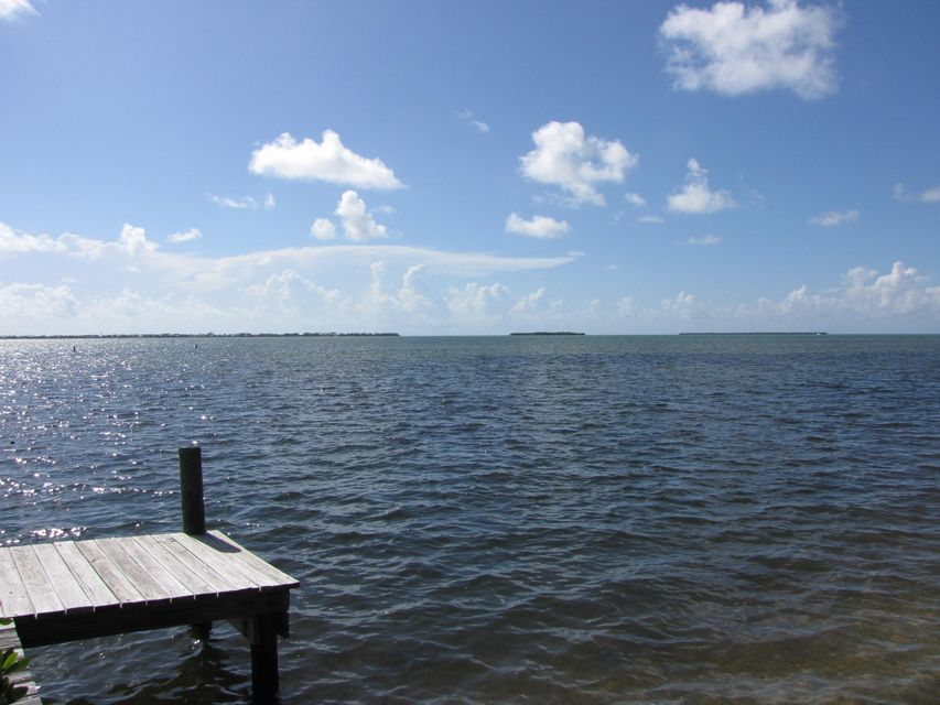 Additional photo for property listing at 377 Sawyer Drive  Summerland Key, フロリダ 33042 アメリカ合衆国