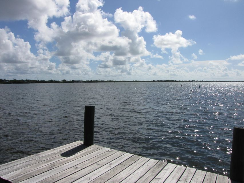 Additional photo for property listing at 377 Sawyer Drive  Summerland Key, Florida 33042 États-Unis