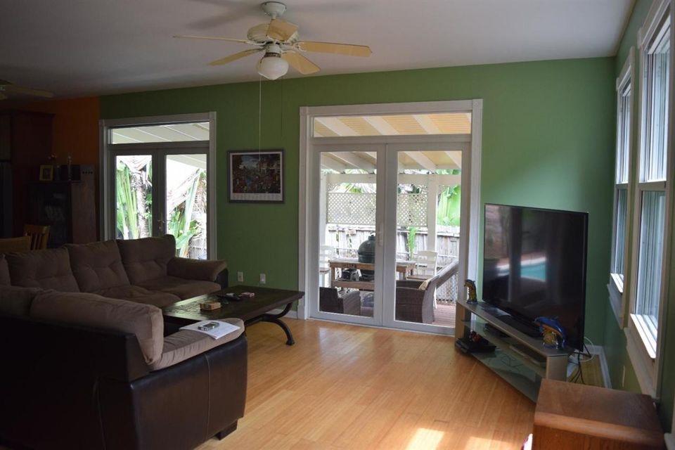 Additional photo for property listing at 2400 Flagler Avenue  Key West, Florida 33040 États-Unis