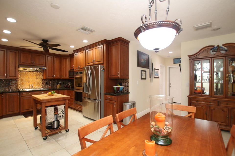 Additional photo for property listing at 137 N Sunrise Drive  Key Largo, Florida 33070 États-Unis