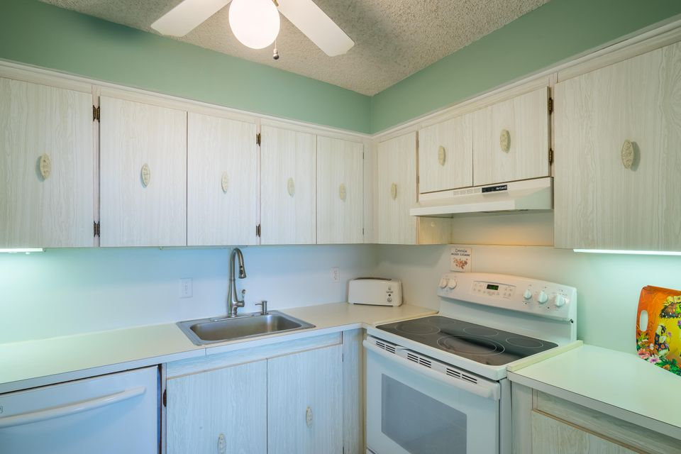 Additional photo for property listing at 2000 Coco Plum Drive  Marathon, Florida 33050 Vereinigte Staaten