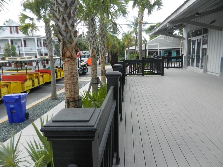 Additional photo for property listing at 725 Caroline Street 725 Caroline Street Key West, Florida 33040 États-Unis