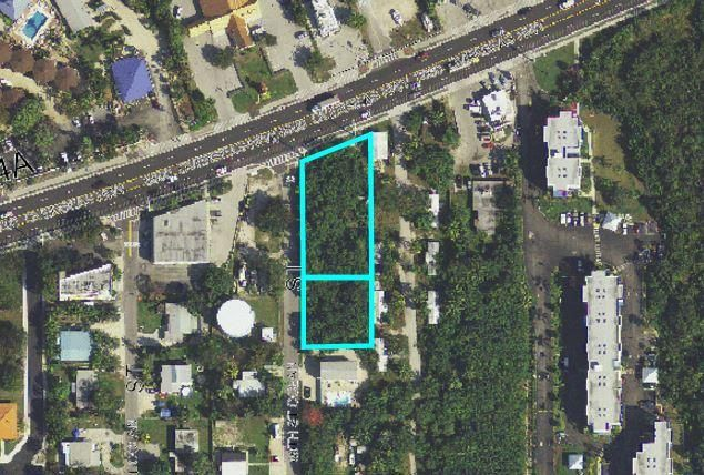 Additional photo for property listing at Lots 1 & 2 Overseas Highway Lots 1 & 2 Overseas Highway Marathon, Florida 33050 Stati Uniti