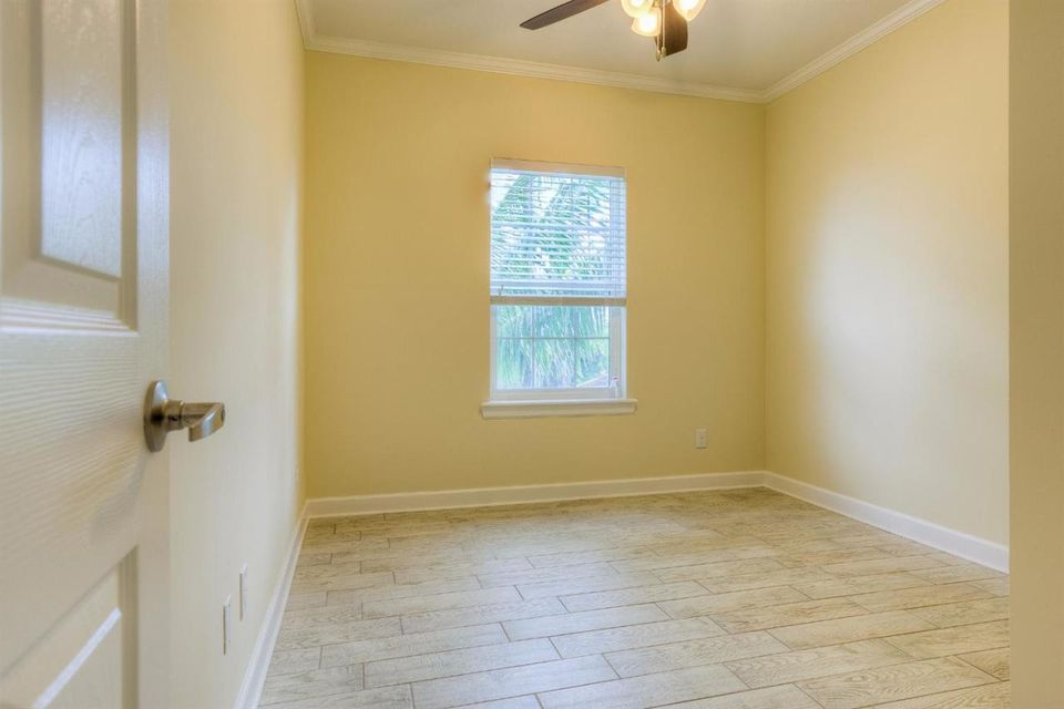 Additional photo for property listing at 19555 Navajo Street  Sugarloaf, Florida 33042 Estados Unidos