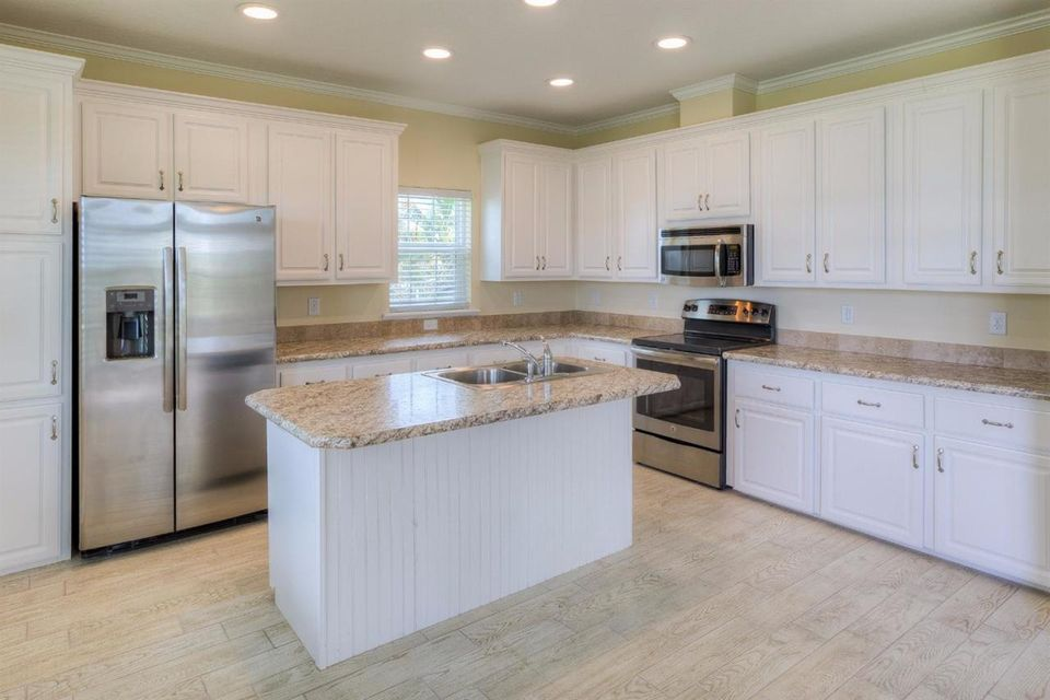 Additional photo for property listing at 19555 Navajo Street  Sugarloaf, Florida 33042 Stati Uniti