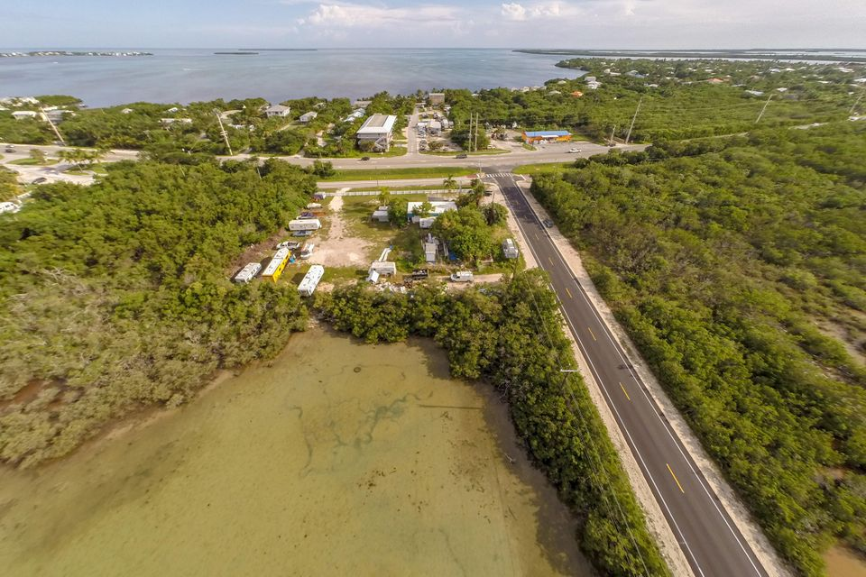 Additional photo for property listing at 21423 Overseas Highway  Cudjoe Key, Florida 33042 Stati Uniti