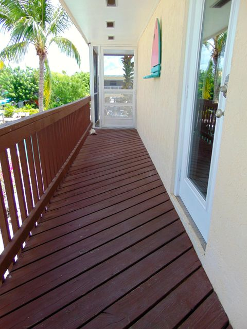 Additional photo for property listing at 1049 Gulf Drive  Summerland Key, Флорида 33042 Соединенные Штаты