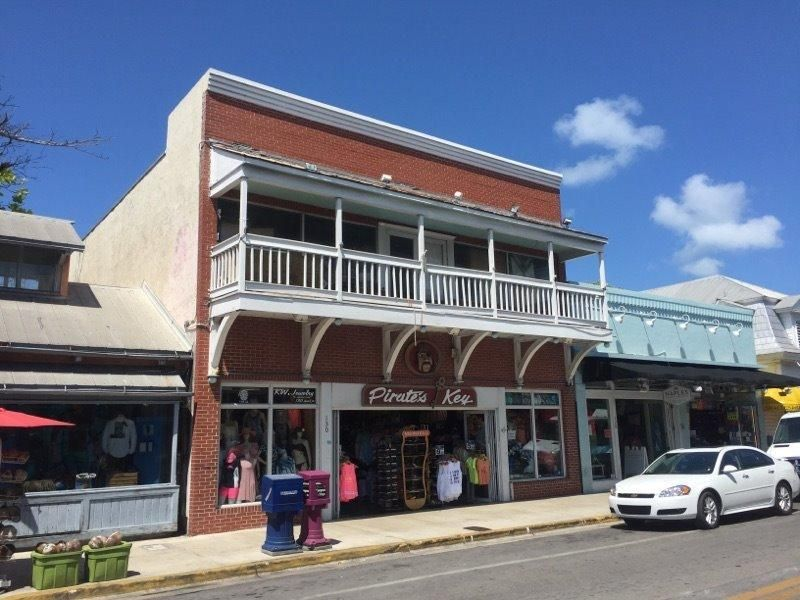 Additional photo for property listing at 130 Duval Street  Key West, Florida 33040 Estados Unidos