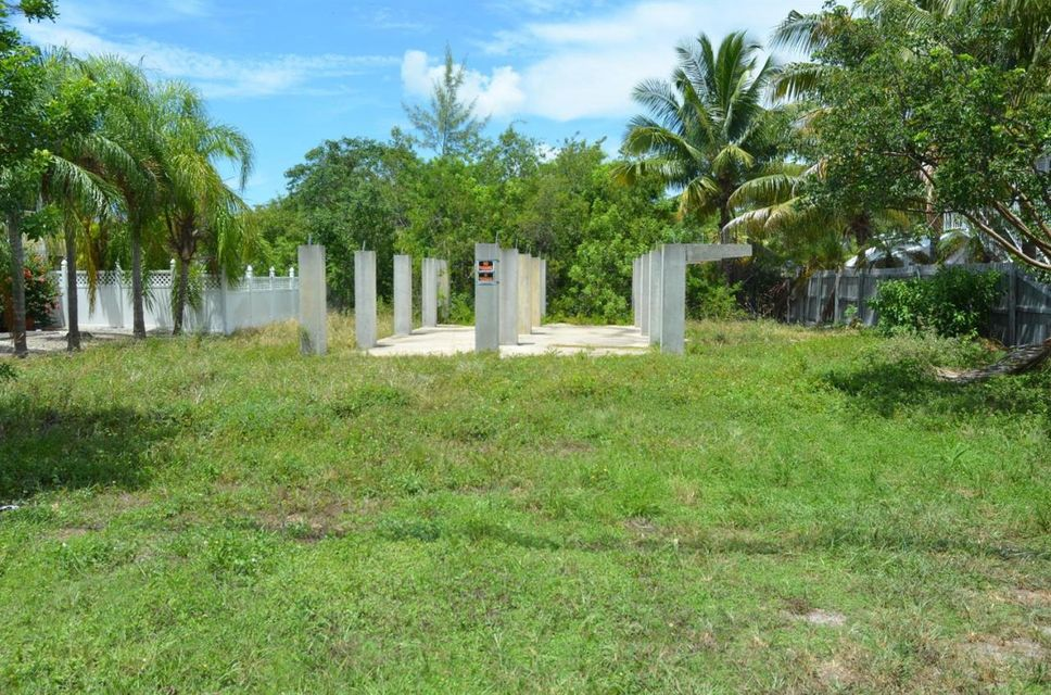Additional photo for property listing at 124 Cutthroat Drive  Summerland Key, Florida 33042 Hoa Kỳ