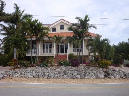 Additional photo for property listing at 210 15Th Circle  Key Colony, Florida 33051 États-Unis