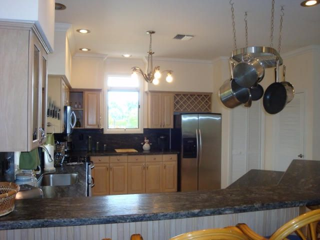 Additional photo for property listing at 210 15Th Circle  Key Colony, Флорида 33051 Соединенные Штаты
