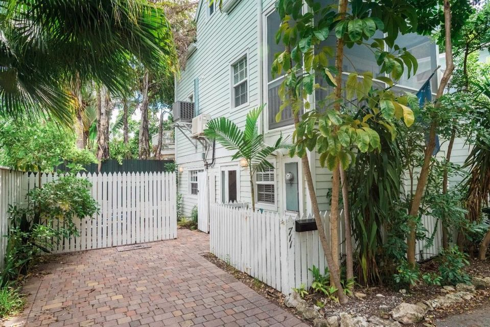 Additional photo for property listing at 711 Georgia Street  Key West, Florida 33040 Hoa Kỳ