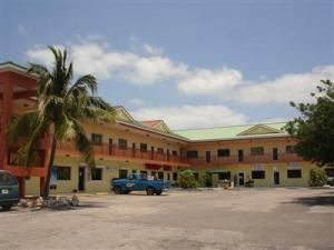 Commercial for Sale at 11400 Overseas Highway Marathon, Florida 33050 United States