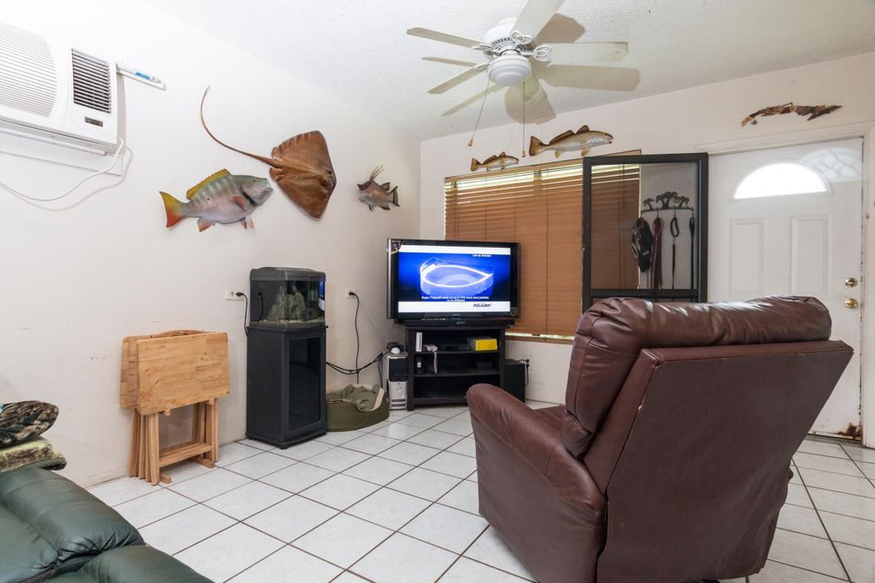 Additional photo for property listing at 181 109th Street Ocean  Marathon, Florida 33050 Stati Uniti