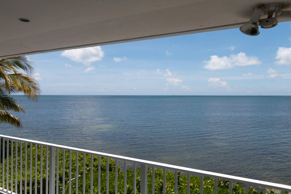 Additional photo for property listing at 22 Treasure Road  Marathon, Florida 33050 Vereinigte Staaten